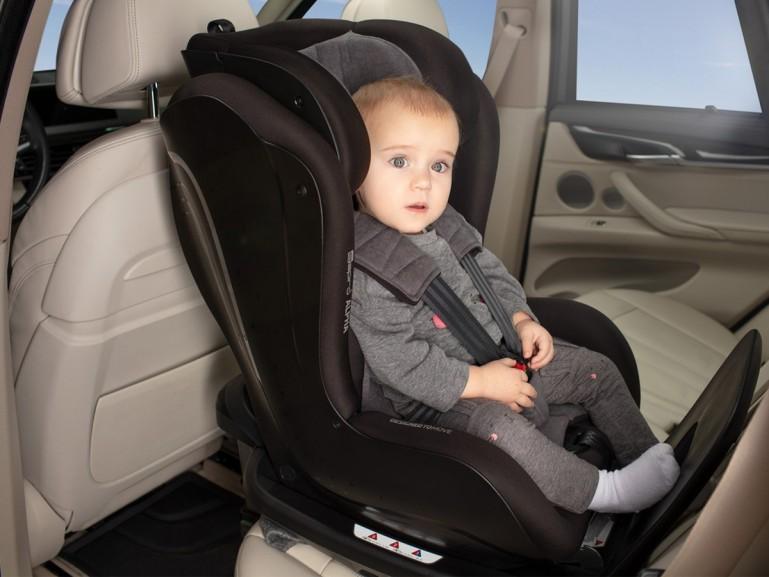 jak zamontować fotelik samochodowy dla dziecka